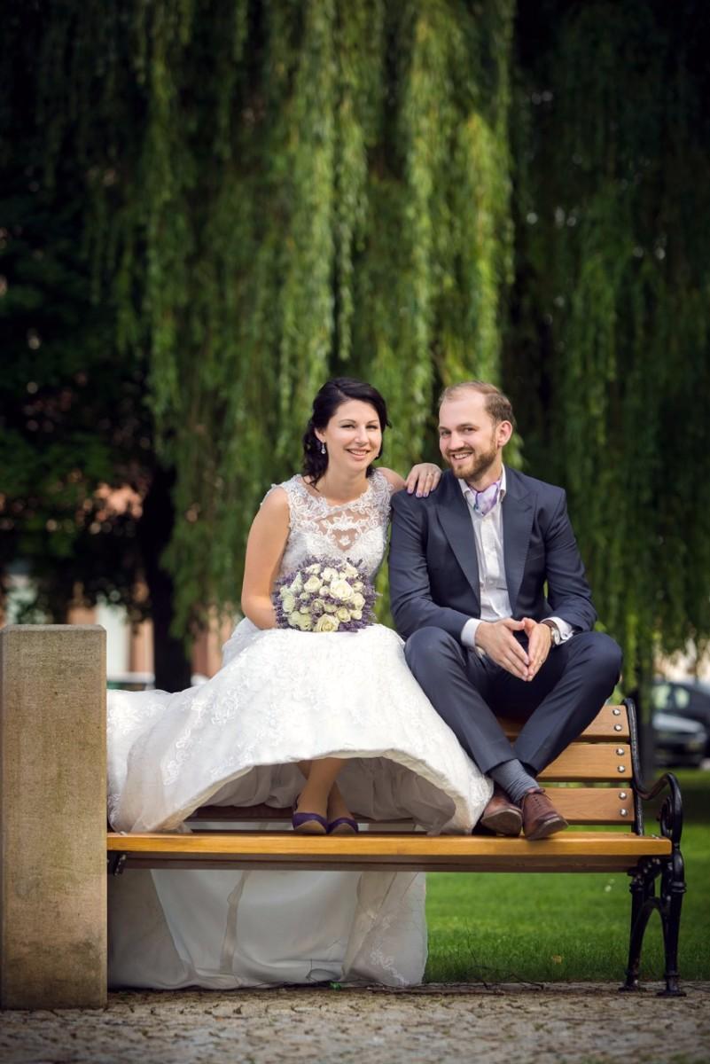 Svatební oblek peak klopy d0834cb395